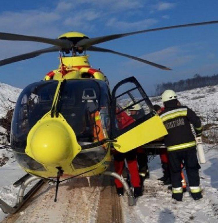 Mentőhelikopter szállította kórházba a Nyírtassnál történt baleset egyik sérültjét