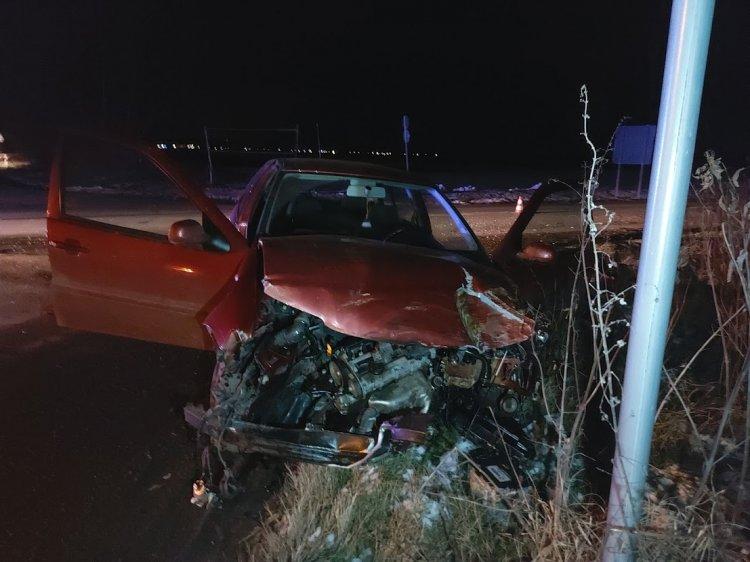 Autóbusz és személyautó ütközött a Kemecsei úton, több milliós az anyagi kár