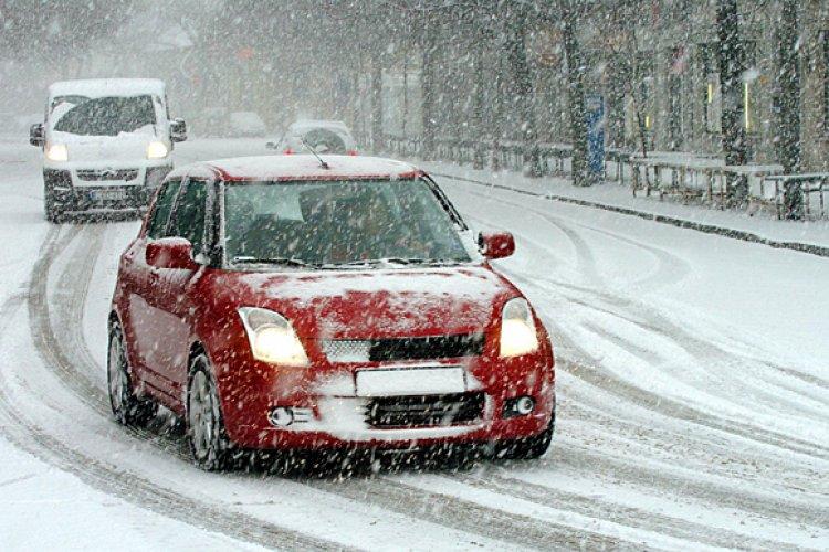 A téli közlekedés veszélyei – Mindig tiszta, letakarított autóval induljunk útnak