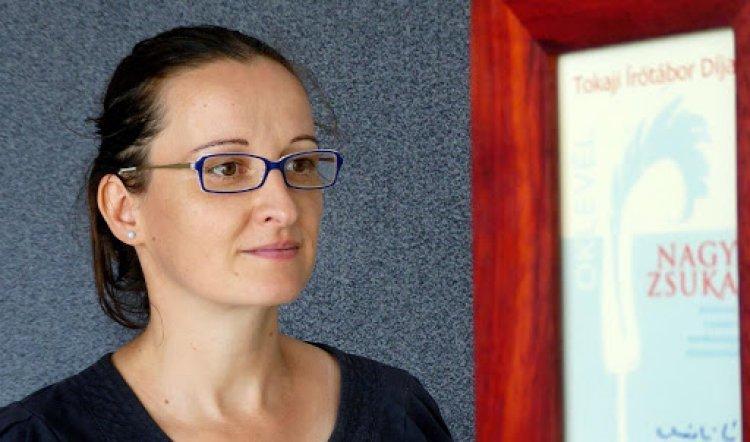 Nyíregyházi költőt díjaztak: Bella István-díjat kapott Nagy Zsuka