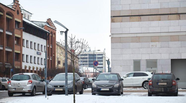 Megdöbbentő parkolások: megugrott a szabálytalankodók száma