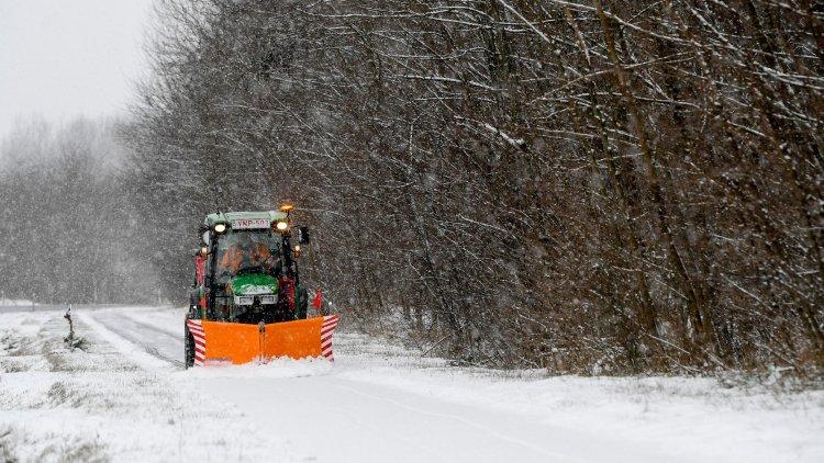 Országos Meteorológiai Szolgálat: bokáig érő hó is hullhat, visszatért a tél