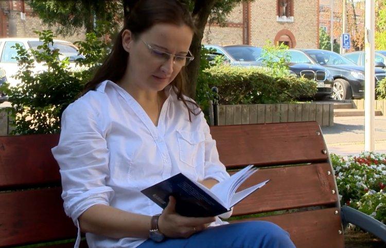 Bella István-díjat kapott Nagy Zsuka, a nyíregyházi költőnő – Delej után novella