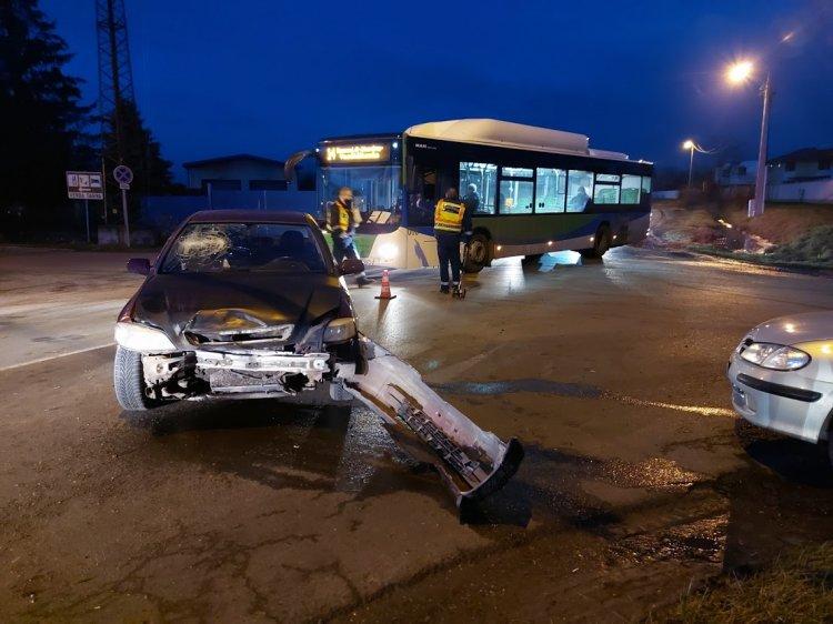 Friss: egy személy megsérült a Kemecsei úton történt balesetben