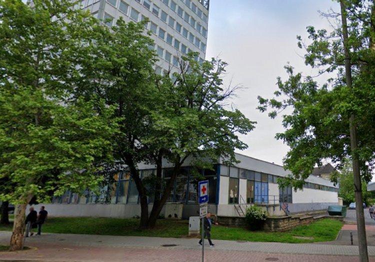 Favágási munkálatokat végez február 5-én a NYÍRVV a Széchenyi utcánál