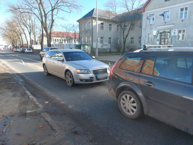 Karambol a Bocskai utcán: lassított a sofőr a zebránál, a mögötte érkező belerohant