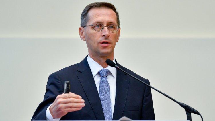 Varga Mihály: a gyorskölcsön az újraindítási akcióterv legújabb lépése