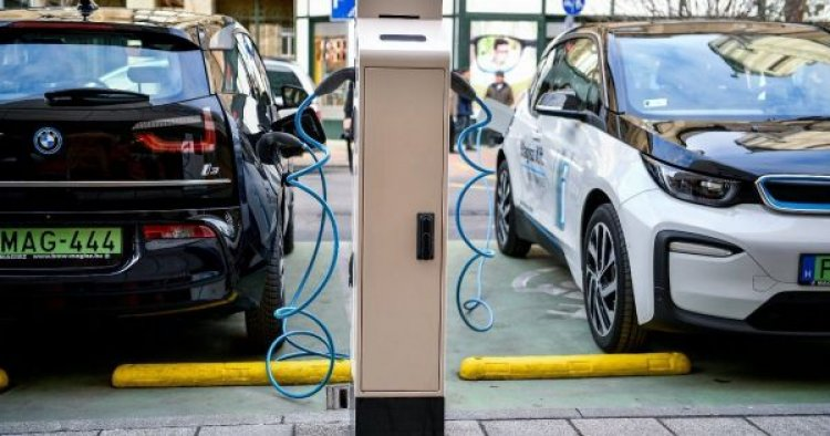 A vártnál is gyorsabban terjednek az elektromos autók Magyarországon