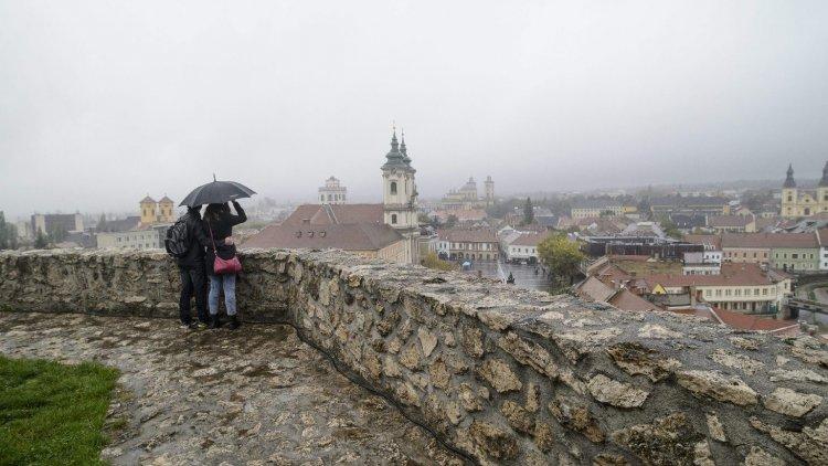 Országos Meteorológiai Szolgálat: esernyő nélkül ma semmi esélyünk