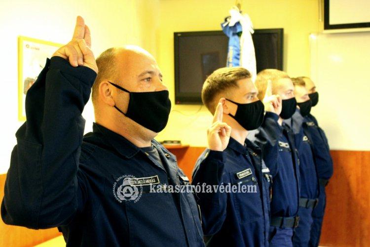 Kilencvenkilenc újonc tűzoltó lép szolgálatba – Öten Szabolcs-Szatmár-Bereg megyében!