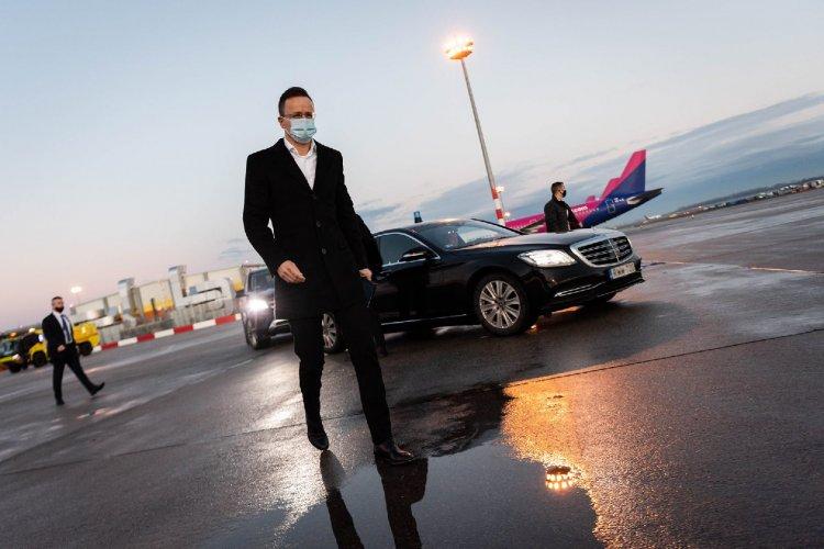 Elindult a magyar állam repülőgépe a kínai vakcináért