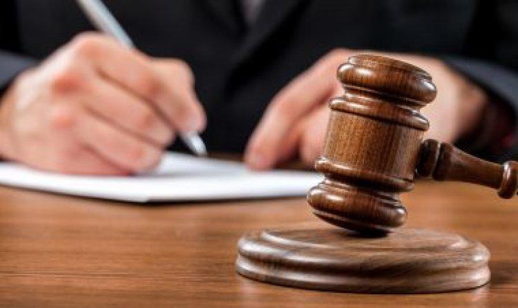 Öt, kábítószerrel kereskedő férfit küldene évekre fegyházba az ügyészség