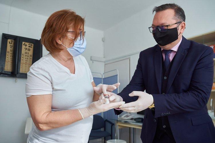 Újabb háziorvosok kaptak AstraZeneca vakcinát