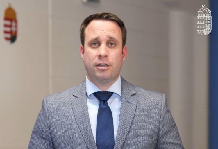 Az újraindításról szóló konzultáció kérdéseit ismertette Dömötör Csaba