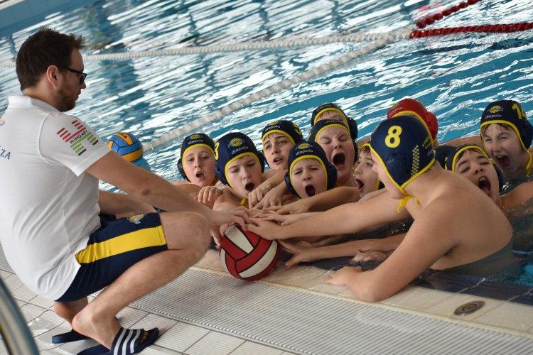 Folytatódott a területi bajnokság - Az Aqua SE fiú és lány együttese egymás ellen játszott