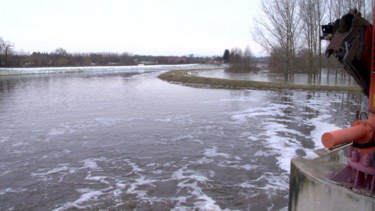 Árvíz és belvíz: több mint 11 ezer hektár van víz alatt, az apadás viszont már elkezdődött