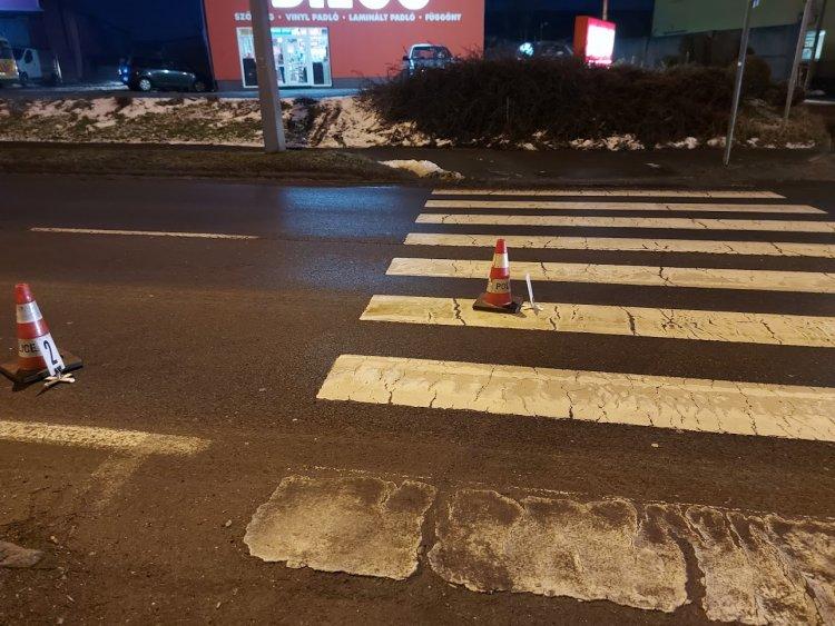 Gyalogost gázoltak a Pazonyi úton, kórházba szállították
