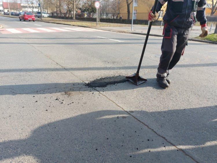 Kátyúzási munkákat végzett a NYÍRVV a város több pontján