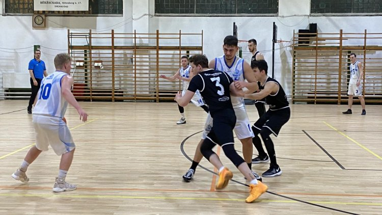 Idegenben nyert a NYÍKSE - Simán győzött az NB-II-es kosárcsapat