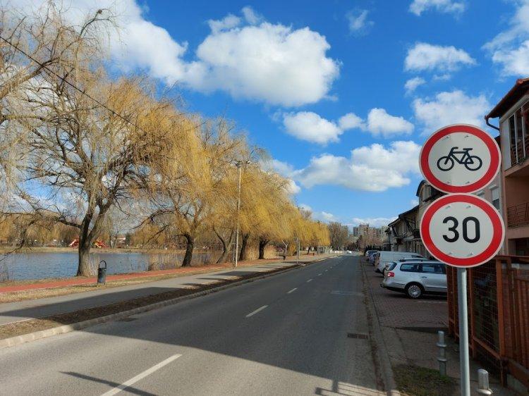 Fokozott elővigyázatossággal közlekedjenek a Bujtosi Városligetnél!
