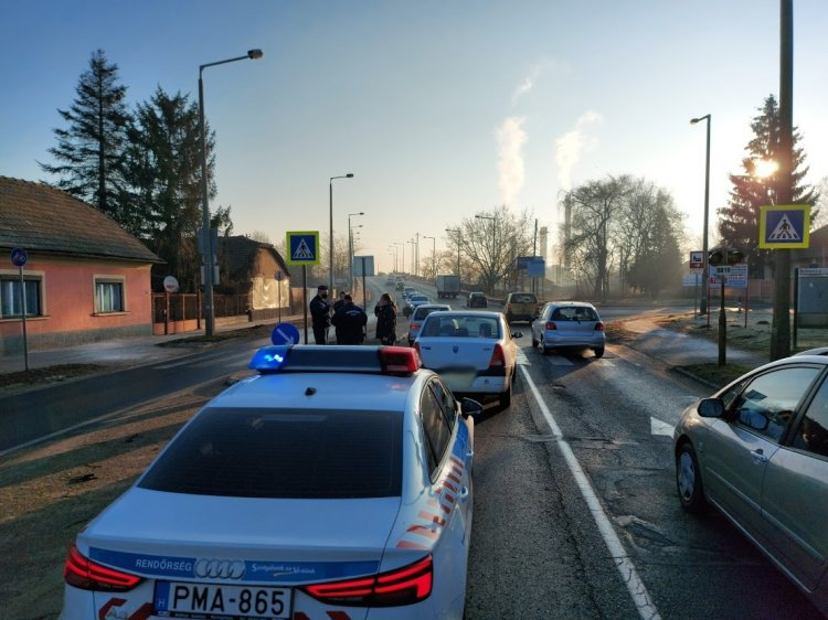 Baleset történt a szerda reggeli csúcsforgalomban a Tiszavasvári úti felüljárónál