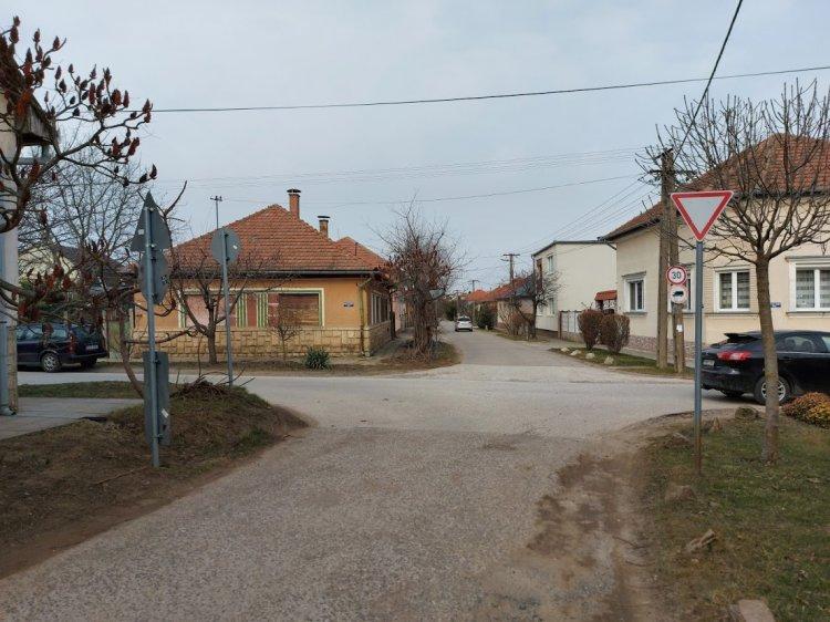 Baleset történt a Kiss Ernő és Deák Ferenc utcai kereszteződésben