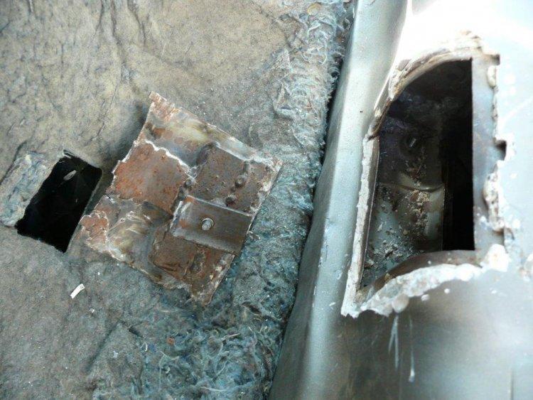 NAV – Borostyán és cigaretta a tankban