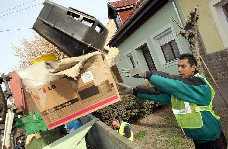 Házhoz menő lomtalanítás - Már nem lehet a közterületekre lomokat lerakni