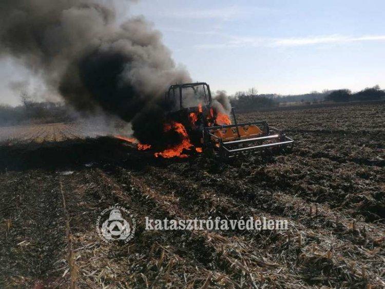 Teljes terjedelmében égett egy traktor Nyíregyháza külterületén, csütörtök délelőtt