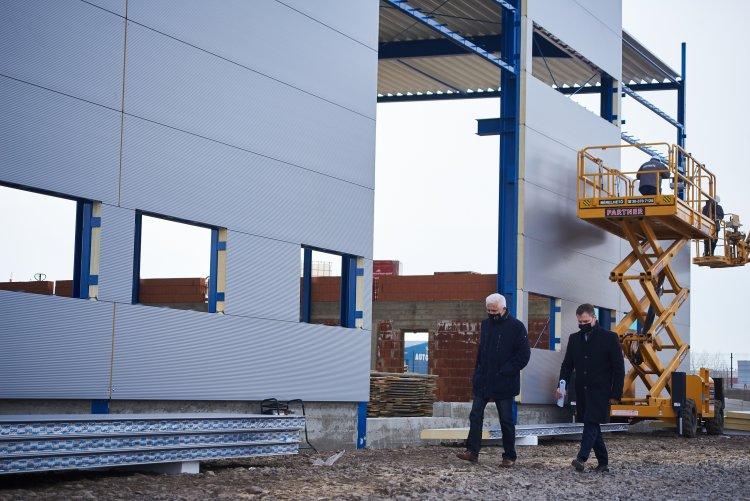 Új gyártócsarnokot épít a Nyír-Lift Kft. – A beruházás várhatóan májusban befejeződik