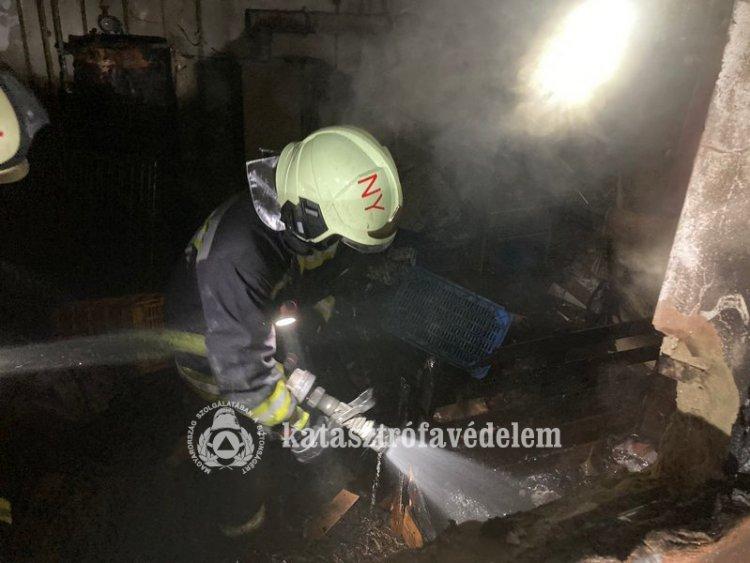 Lakóház alatti pince égett teljes terjedelmében kedden, a nyíregyházi Tujafa utcában