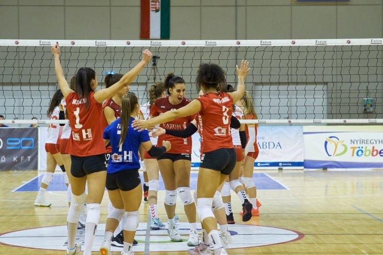 Kezdődik az elődöntő - A női röplabdások vasárnap a Vasast fogadják az Extraligában
