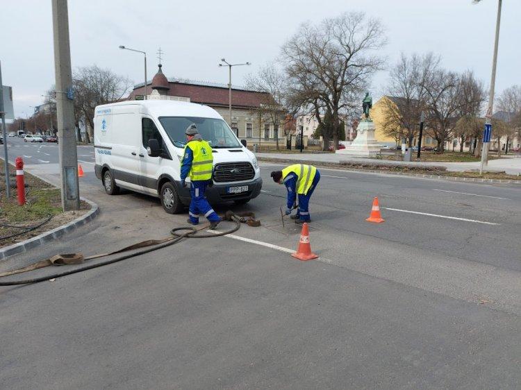 Csatornákat tisztít a Nyírségvíz Zrt. a város több pontján, forgalomkorlátozás mellett