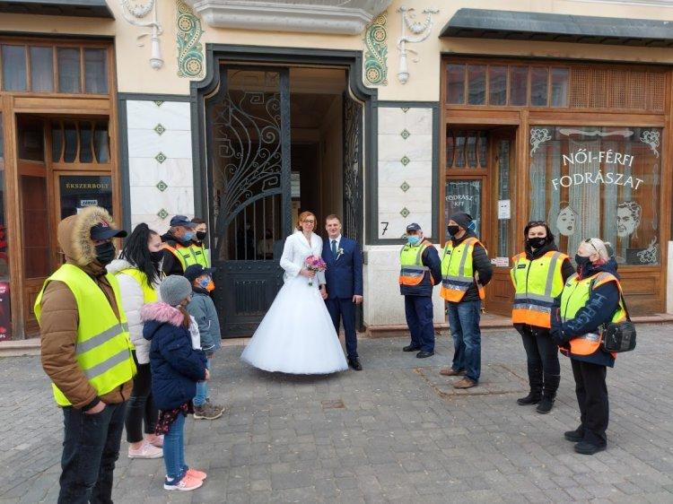 Különleges polgárőr esküvő volt a hétvégén Nyíregyházán
