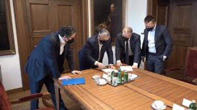 Orbán Viktor a kereskedelmi kamarával tárgyalt