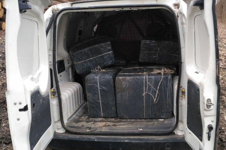 Csempészett cigarettát szállított, a kölcsei rendőrök elfogták