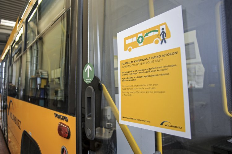 Rendkívüli intézkedés: a Volánbusz felfüggeszti az első ajtós felszállást
