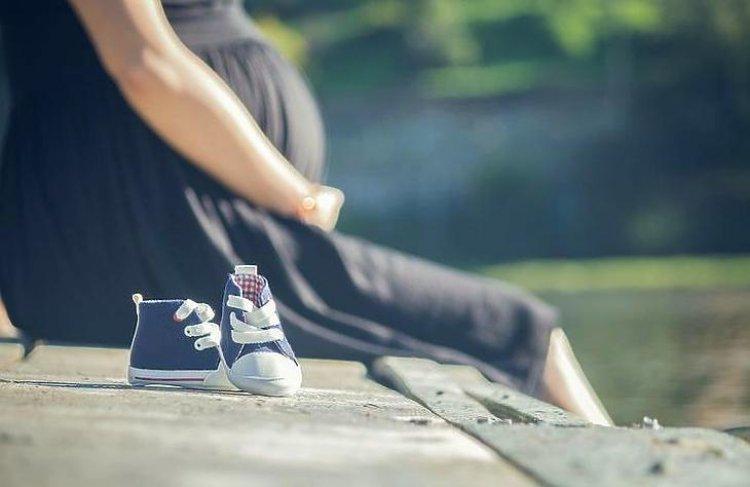Külön oltópontokon várják a kismamákat és a várandósokat