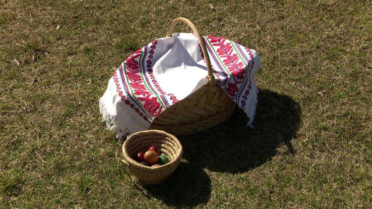 Ha péntek, akkor Szieszta a Nyíregyházi Televízióban, mely a Húsvét jegyében telik