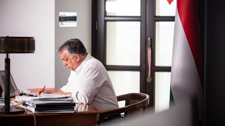 Orbán Viktor: Holnaptól nyitnak az üzletek és újraindulnak a szolgáltatások