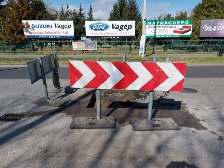 Sebességkorlátozás és előzési tilalom: helyreállítási munkálatok a Garibaldi utcán
