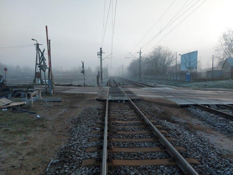 Befejeződött a Tokaji úti vasúti átjárónál a törött sínpár javítása