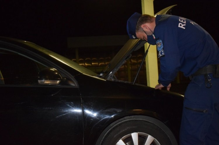 Körözött autó a csengersimai határátkelőhelyen – Előállították a külföldi férfit
