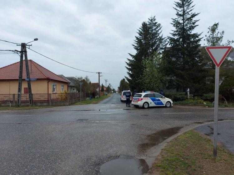 Nem adott elsőbbséget egy kerékpáros egy védett úton közlekedő autónak az Izabella utcán