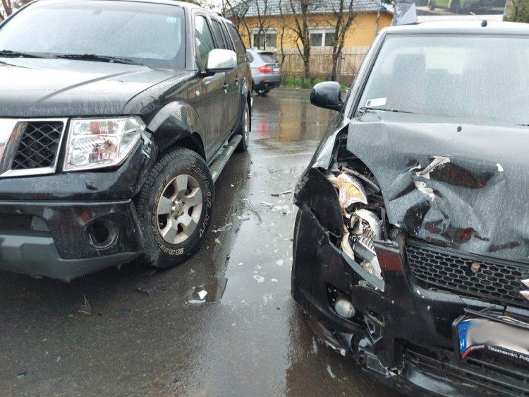 Nagy erejű ütközés a Kállói úton, személyi sérülés nem történt