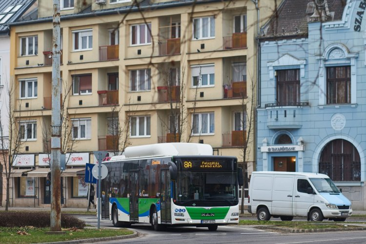 Továbbra is téli tanszünetes menetrend szerint közlekednek a Volánbusz járatai, ha kell járatsűrítéssel