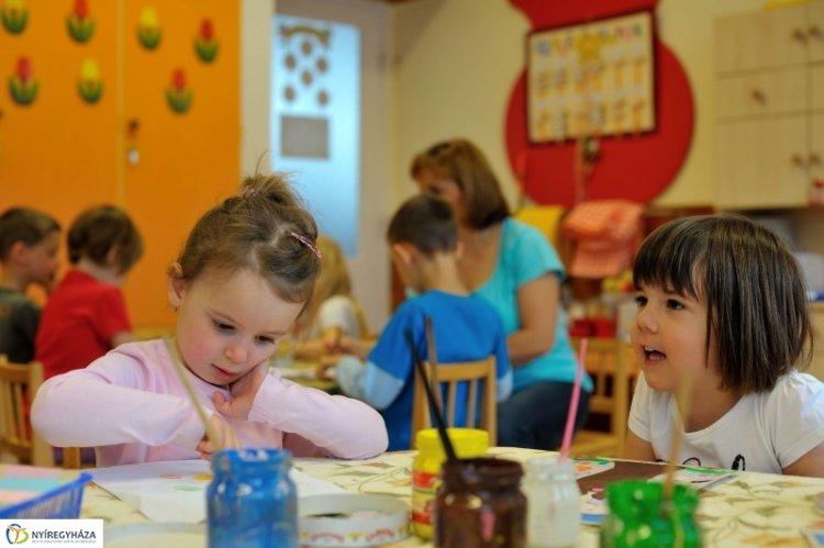 Kinyitottak az óvodák – 4400 gyermeket vártak hétfőn a nyíregyházi óvodákba