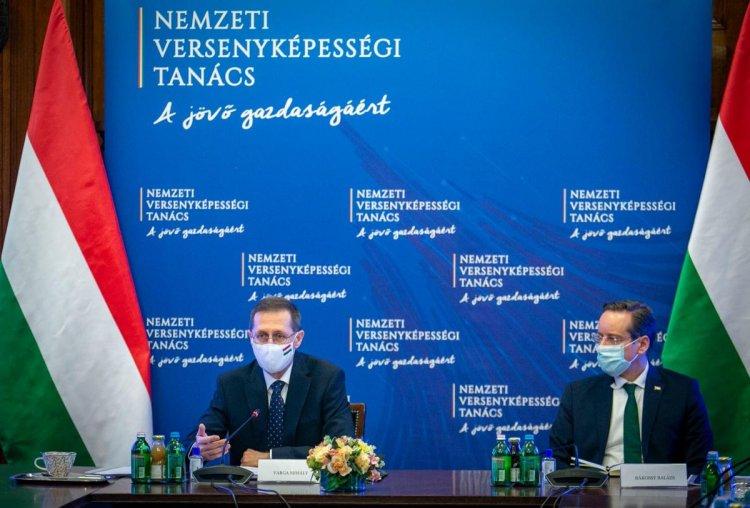 Varga Mihály: adókönnyítésekre, kedvezményekre tett javaslatot a versenyképességi tanács