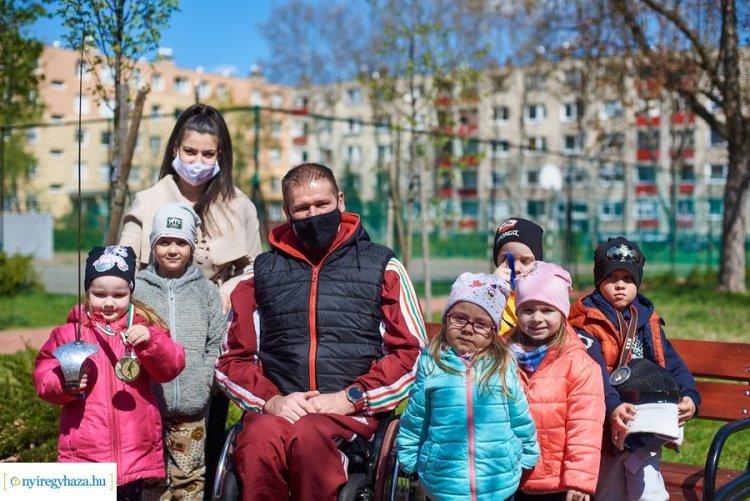 Vívás, csörgőlabda, röplabda - Parasportolókkal találkozhattak az óvodások