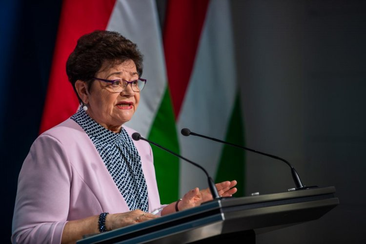 Országos tisztifőorvos: bárki számára elérhető a védőoltás Magyarországon